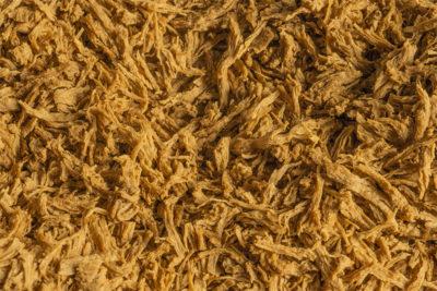 Weizenprotein (Pflanzliches Protein) Lory® Tex Fibres SBM 111: Für Pork, Chicken, Fisch, Frikadellen, Pulled-Produkte, Füllungen und als Meat Extension in Fleischprodukten.