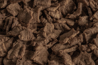 Wheat protein (vegetable protein) Lory® Tex Flakes SDM 112: For pork, gyros, chicken, beef, pork, instant noodles, instant soups, fillings, toppings, meat products, veggie products.
